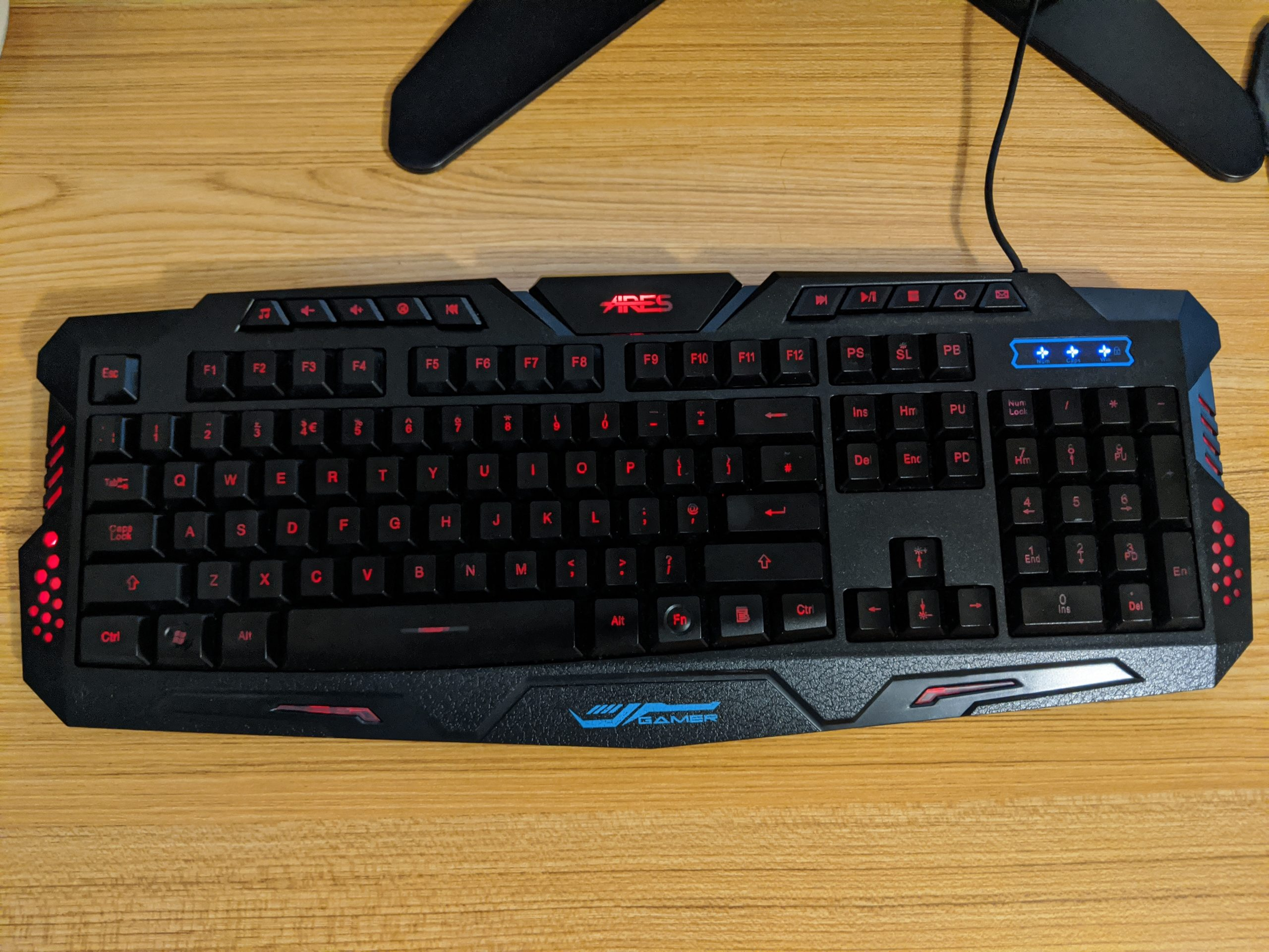 An ARES K1 rubber dome keyboard.