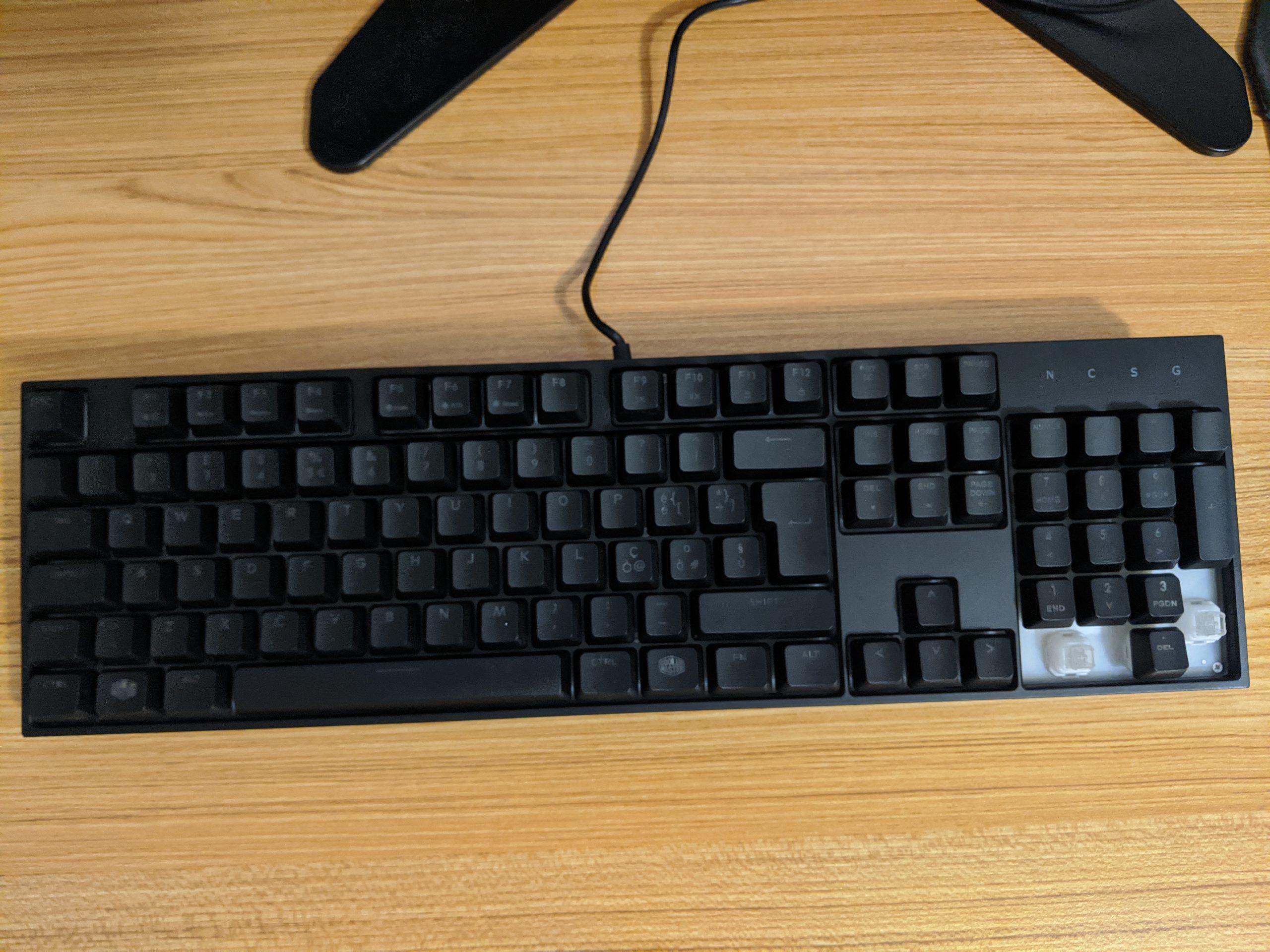 A faulty Cooler Master Masterkeys Lite keyboard.