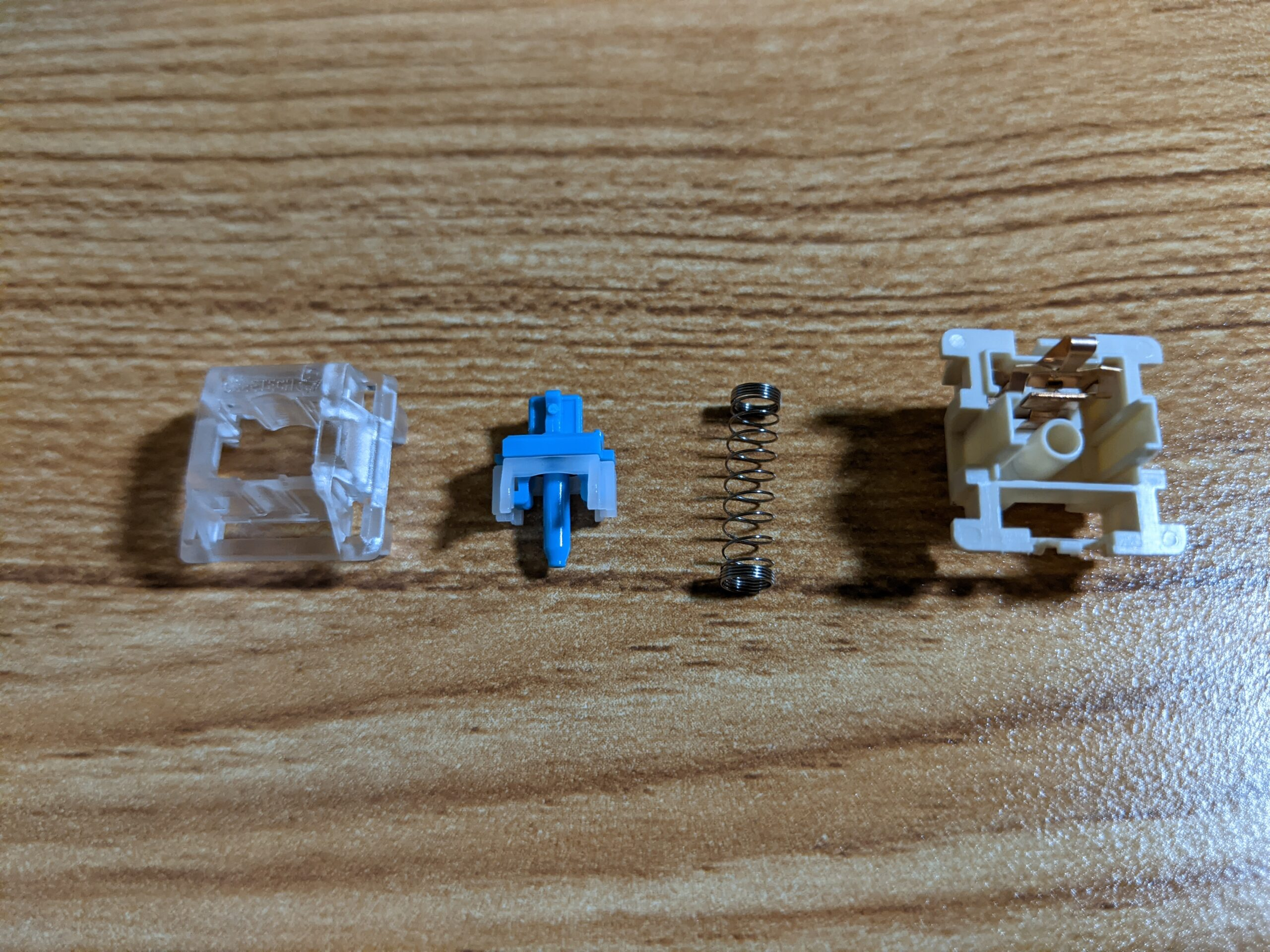 Greetech Blue switch disassembled