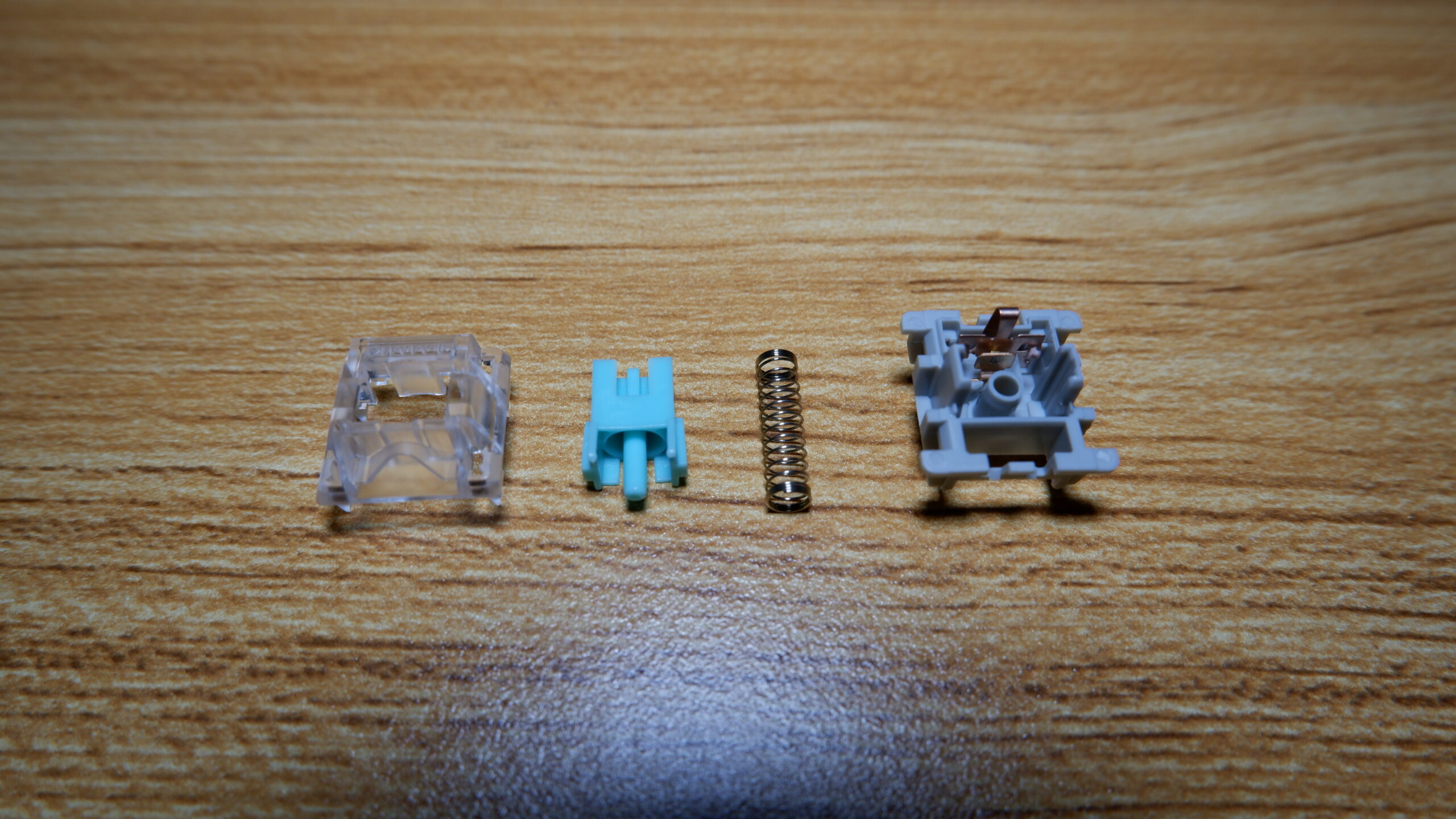 Momoka Linear switch disassembled