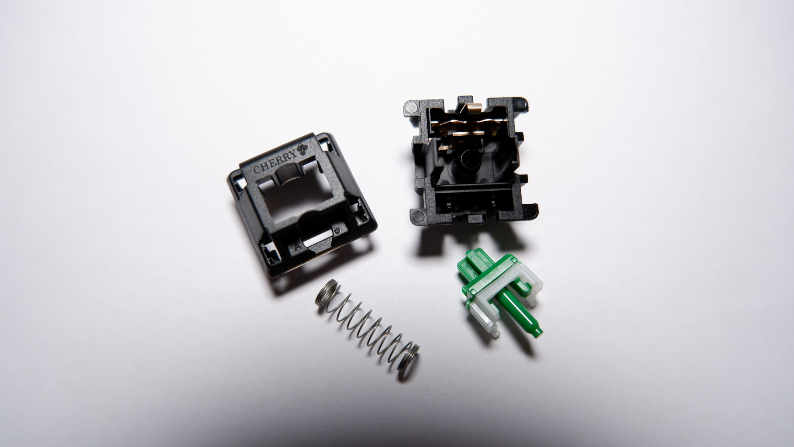 Cherry MX Green switch disassembled