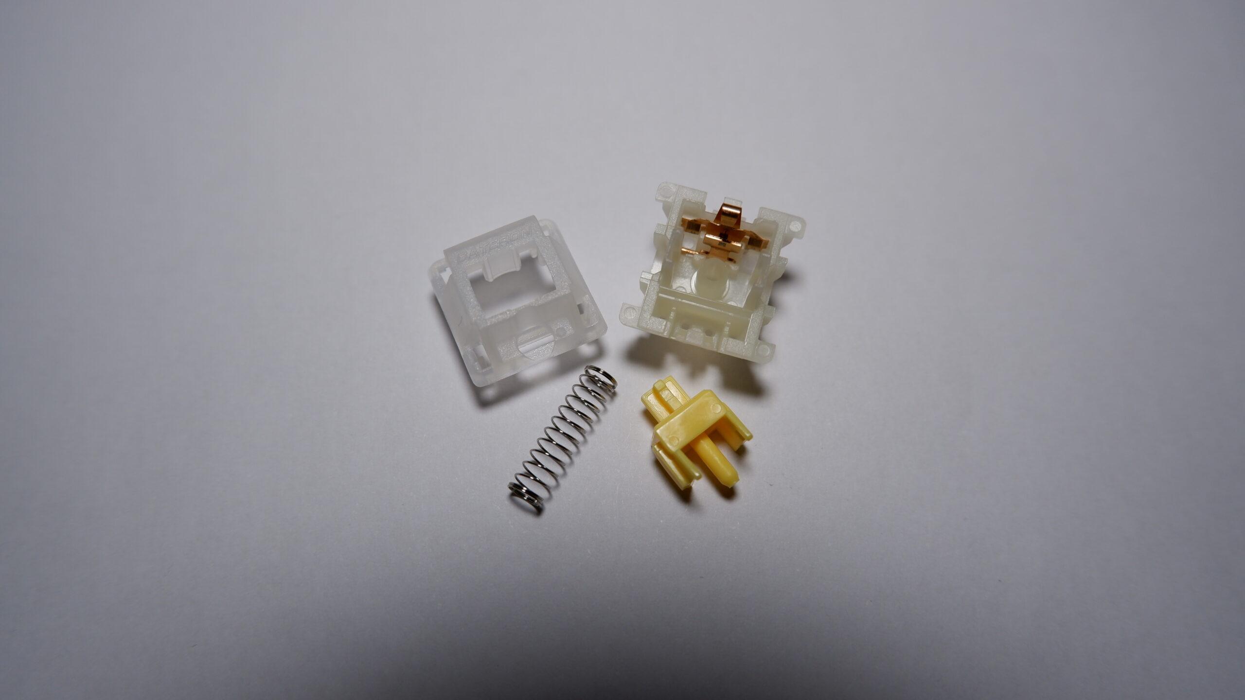 Gateron Yellow switch disassembled