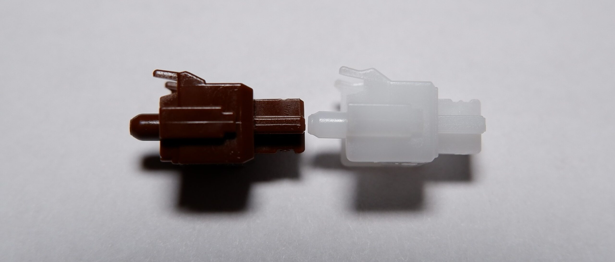 Cherry MX Brown and Cherry MX Clear stem comparison